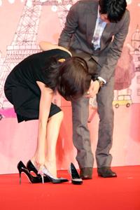 『新しい靴を買わなくちゃ』完成披露会見 中山美穂、向井理
