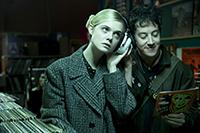 映画『パーティで女の子に話しかけるには』エル・ファニング/アレックス・シャープ
