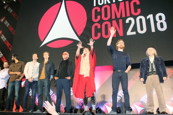 東京コミックコンベンション2018:トム・ヒドルストン、フェルプス兄弟、ピーター・ウェラー、ラーナー・ダッグバーティ、エズラ・ミラー